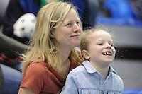 SPEED SKATING: CALGARY: Olympic Oval, 08-03-2015, ISU World Championships Allround, Tonny de Jong en dochter als toeschouwer, ©foto Martin de Jong