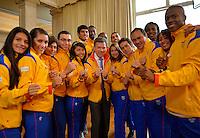 Juan M. Santos entrega pabellon Nacional deportistas a Veracruz 2014. 10-11-2014