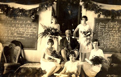 Escuela Graduada de Niñas No. 2. Investidura del 27 de febrero de 1926. Santiago. Col. YNP