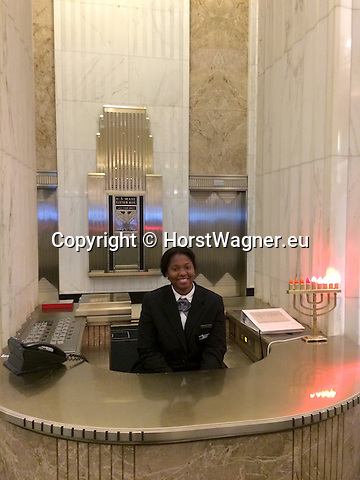 Chicago, Illinois, United States of America / USA; December 28, 2016 -- Inside The Field Building / LaSalle National Bank Building / Bank of America Building, art deco; La Salle Street; information desk, art deco -- Photo: © HorstWagner.eu