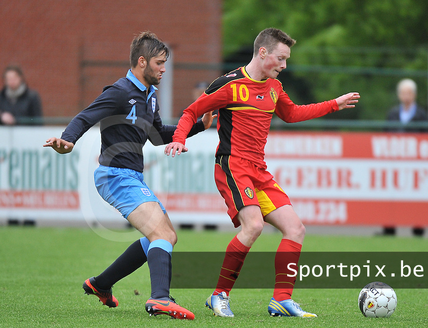 Belgium U19 - England U19 : Rob Schoofs (10) and Jordan Turnbull (4).foto DAVID CATRY / Nikonpro.be