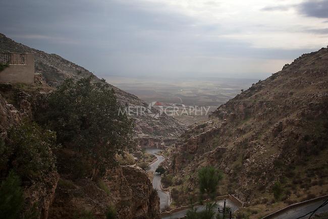 31/10/14. Alqosh, Iraq. Alqosh is seen from the Rabban Hermizd Monastery.