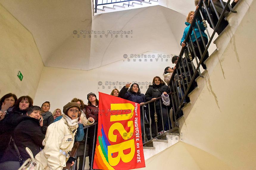 Roma 7 Gennaio 2015<br /> Protesta delle maestre di nidi e materne comunali e del sindacato Usb, in Campidoglio, contro il contratto decentrato unilaterale  imposto dal Sindaco Ignazio  Marino, e per difendere salario e qualit&agrave; dei servizi pubblici. Le maestre occupano le scale dell'edificio dell'Avvocatura del Comune di Roma.<br /> Rome January 7, 2015<br /> Protest of the teachers of nests and municipal nursery and union Usb, in the Capitol, against the decentralized contract unilaterally imposed by the mayor Ignazio Marino, and to defend wages and quality of public services.The teachers occupy  the stairs of the building of the  lawyers of the City of Rome.