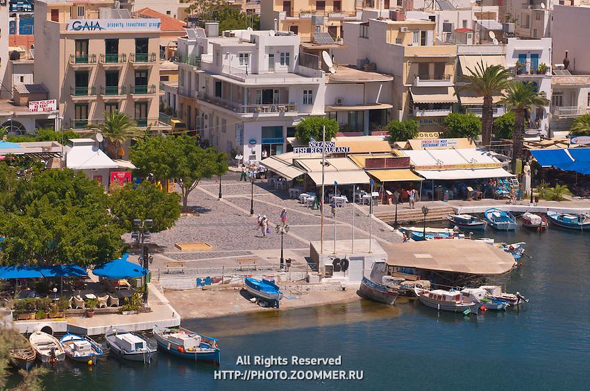Fish restaurants near Agios Nikolaos lake Voulismeni