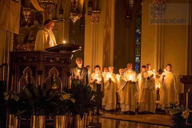 Apr. 4, 2015; Easter Vigil Mass in the Basilica of the Sacred Heart. (Photo by Barbara Johnston/University of Notre Dame)