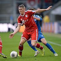 Fussball  1. Bundesliga  Saison 2013/2014   11. Spieltag  in Sinzheim TSG 1899 Hoffenheim - FC Bayern Muenchen    02.11.2013 Bastian Schweinsteiger (FC Bayern Muenchen) am Ball