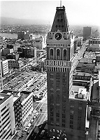 Oakland Tribune building in downtown Oakland.<br />(1979 photo/Ron Riesterer)