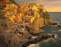 Cliffside Town of Manarola, Cinque Terre National Park, Italy    Italian Riviera Mediterranean Sea