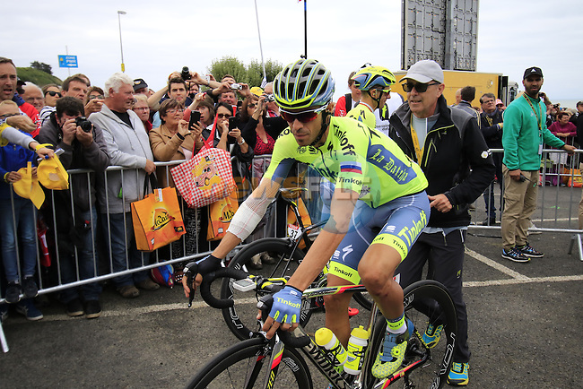 Alberto Contador (ESP) Tinkoff at sign on before the start of Stage 3 of the 2016 Tour de France, running 223.5km from Granville to Angers, France . 4th July 2016.<br /> Picture: Eoin Clarke | Newsfile<br /> <br /> <br /> All photos usage must carry mandatory copyright credit (&copy; Newsfile | Eoin Clarke)