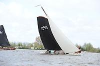 ZEILSPORT: LANGWEER: 22-04-2017, Skûtsjesilen Langweer, Skûtsje De Lege Wâlden (Terherne), schipper Jehanne Prins, ©foto Martin de Jong