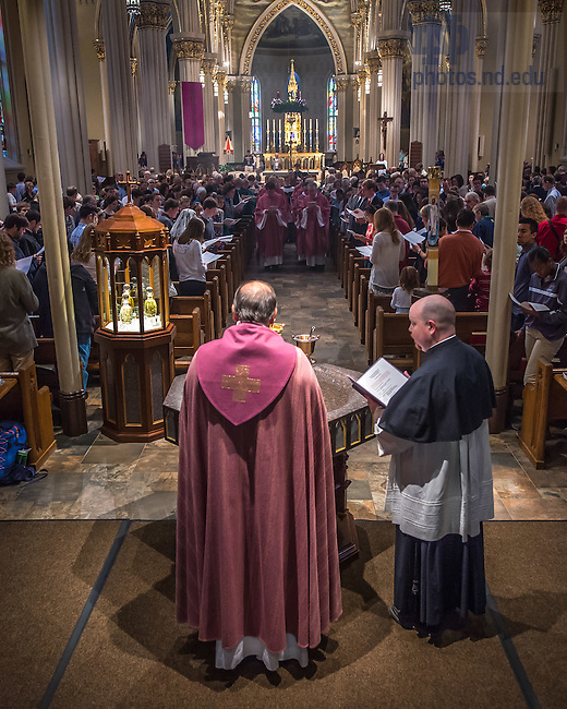 Dec. 13, 2015; Rev. Peter Rocca, C.S.C. presides over a brief ceremony in recognition of the Extraordinary Jubilee of Mercy during the 10am Sunday Mass at the Basilica of the Sacred Heart. (Photo by Matt Cashore/University of Notre Dame)