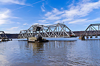 Spuyten Duyvil Bridge, swing bridge across the Spuyten Duyvil Creek between Manhattan and the Bronx, New York City, New York, USA