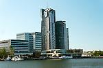 Gdynia, (woj. pomorskie) 20.07.2016. Sea Towers (Morskie Wieże) – kompleks składający się z dwóch wieżowców zlokalizowany centrum Gdyni, w tzw. Nadmorskiej Strefie Prestiżu Miejskiego obok Skweru Kościuszki