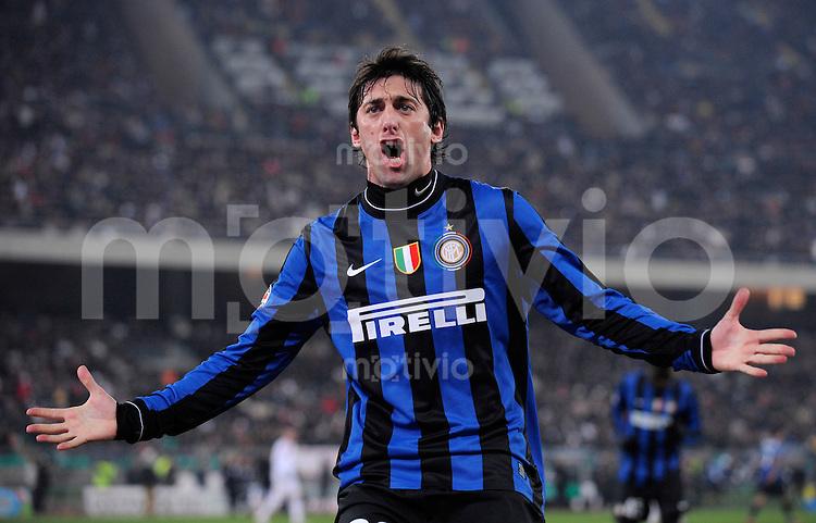FUSSBALL INTERNATIONAL SERIE A SAISON  2009/2010  16.01.2010 AS Bari - Inter Mailand   JUBEL Inter, Diego Milito