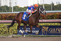 HALLANDALE BEACH, FL - FEBRUARY 04: John Velazquez wins handily aboard Nonna Bella in a Maiden Special Weight race for 3 year old fillies at Gulfstream Park, Hallandale Beach, FL. (Photo by Arron Haggart/Eclipse Sportswire/Getty Images)