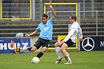 Sandhausen 05.12.2009, 3. Liga SV Sandhausen - FC Ingolstadt 04, Ingolstadts Moise Bambara gegen Sandhausens Patrick Kirsch<br /> <br /> Foto &copy; Rhein-Neckar-Picture *** Foto ist honorarpflichtig! *** Auf Anfrage in h&ouml;herer Qualit&auml;t/Aufl&ouml;sung. Ver&ouml;ffentlichung ausschliesslich f&uuml;r journalistisch-publizistische Zwecke. Belegexemplar erbeten.