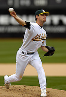 Kirk Saarloos throws a pitch during the second inning against the Chicago White Sox at the McAfee Coliseum Wednesday April 27, 2005, in Oakland, Calif.. (Alan Greth/Contra Costa Times)