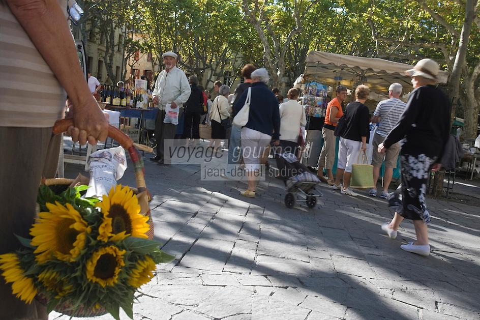 Europe/France/Languedoc-Roussillon/30/Gard/ Uzès: Sur le marché des producteurs Place aux Herbes