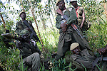 © Remi OCHLIK/IP3, Kayabayanga , Republique Democratique du Congo, le 20 novembre 2008 - Les troupe de la 7eme brigade des FARDC, l armee reguliere congolaise, se redeploient vers Kirumba..Members of regular army, 7e section, are moving to Kirumba throught the jungle near Kayabayanga