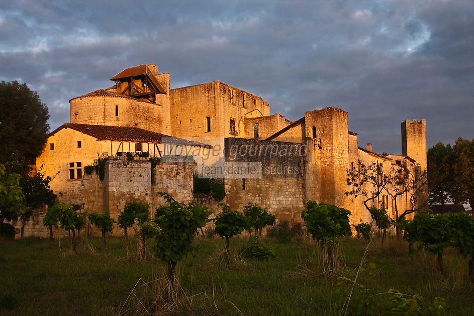 Europe/France/Midi-Pyrénées/32/Gers/Larressingle: Le village et son enceinte fortifiée - Plus Beaux Villages de France
