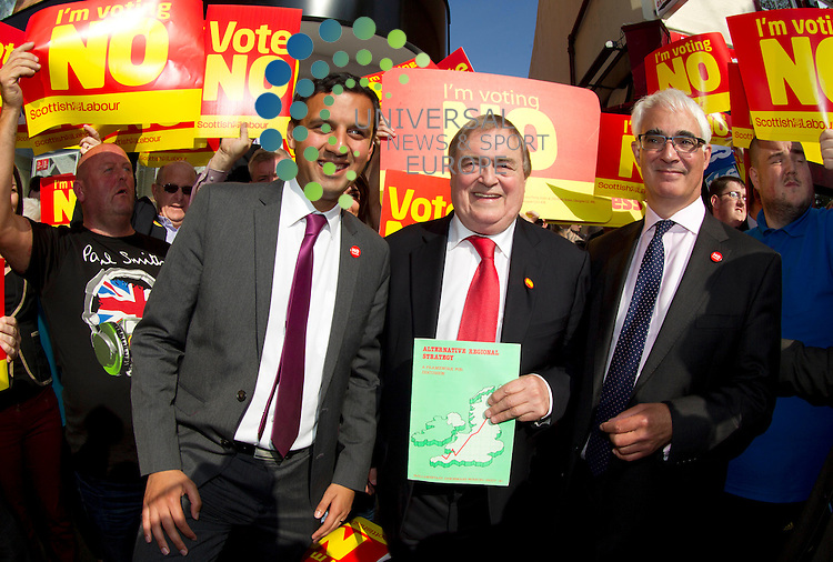 John Prescott on referendum campaign. The Labour veteran was joined by Alistair Darling and Anas Sarwar all making stump speeches and campaign call's with local Labour activists.<br /> Picture: Universal News And Sport (Scotland) 10 September 2014.
