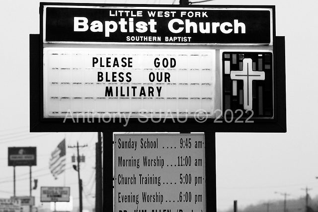 Fort Campbell, Kentucky.USA.March 13, 2003..Support the troops signs along the Fort Campbell road outside the base..