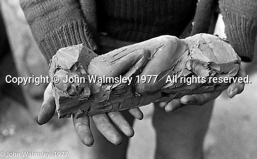 John Blakely, sculptor lived and worked at Digswell House, an artists' community run by the Digswell Arts Trust, Welwyn Garden City, Hertfordshire, UK.  1977.  Other artists there at the time included: Lol Coxhill, jazz saxophonist, Patricia Leighton, sculptor, Liz Fritsch, potter, Veryan Weston, jazz pianist and John Walmsley, photographer.  John Blakeley's website: http://www.filmsculptor.com/