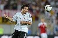 FUSSBALL  EUROPAMEISTERSCHAFT 2012   VORRUNDE Daenemark - Deutschland       17.06.2012 Mats Hummels (Deutschland) Einzelaktion am Ball