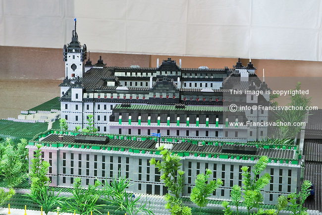La Colline Parlementaire de Quebec en bloc Lego, une creation de Gilles Maheux. Photo Francis VachonThe National Assembly (Assemble Nationale) and the Parliament Hill (Colline Parlementaire) in Lego bricks is pictured in Gilles Maheux's workshop in Quebec City August 20, 2010. Maheux plans to build a major exhibition with building from all over the world made a lego-type blocks in Quebec City.