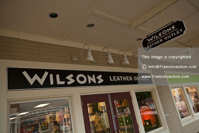 Wilsons Leather Outlet, located at Ontario Mills®: Shop Wilsons Leather for the best selection of fashion leather outerwear, handbags, hats, gloves, wallets, briefcases and travel items for .