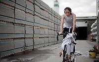 Helen Wyman (GBR/Kona) warming up<br /> <br /> Jaarmarktcross Niel 2015  Elite Women's Race