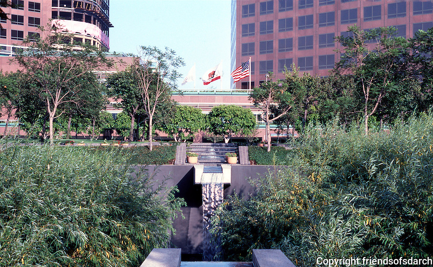 Los Angeles: Bunker Hill, Security Pacific Plaza, edge of Sunken Garden.  Photo '84.