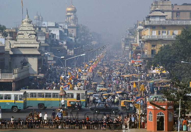 Buses, crowds and traffic congestion in Old Delhi, India
