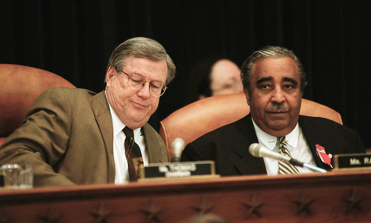 "10/09/01.""BIPARTISAN TRADE PROMOTION AUTHORITYACT OF 2001""--House Ways & Means Chairman Bill Thomas, R-Calif., left, and ranking Democrat Charles B. Rangel, D-N.Y., during the markup. .CONGRESSIONAL QUARTERLY PHOTO BY SCOTT J. FERRELL"