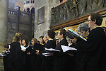 Israel, Jerusalem, a Catholic choir at the Church of the Holy Sepulchre on Easter Sunday