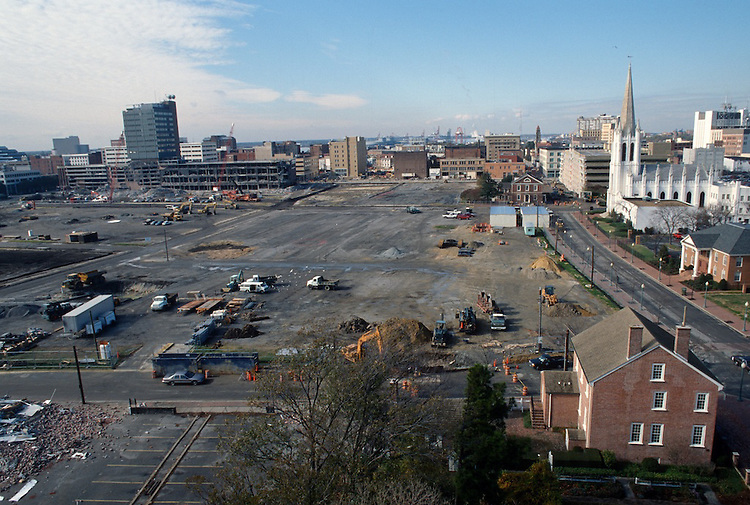 1996 November 20..Redevelopment..Macarthur Center.Downtown North (R-8)..LOOKING WEST...NEG#.NRHA#..