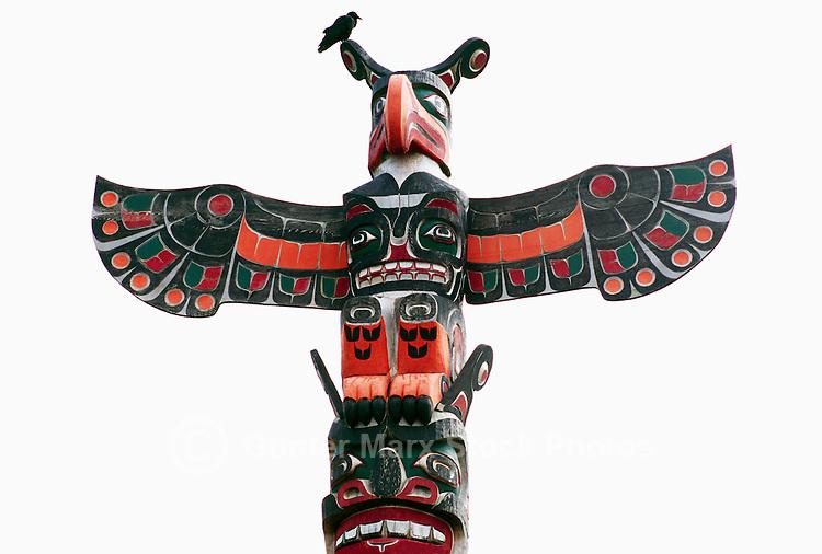 Kwakiutl Totem Poles 39 Namgis Memorial Totem Pole
