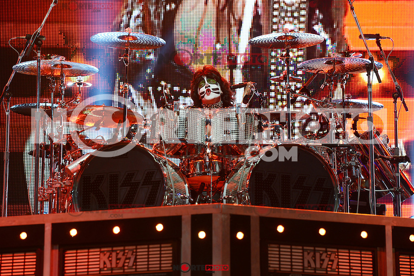 ALBUQUERQUE NM - AUGUST 7:  Eric Singer of Kiss performs at the Hard Rock Casino Albuquerque on August 7, 2012 in Albuquerque, New Mexico. /NortePhoto.com<br /> <br />  **CREDITO*OBLIGATORIO** *No*Venta*A*Terceros*<br /> *No*Sale*So*third* ***No*Se*Permite*Hacer Archivo***No*Sale*So*third*