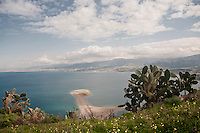 I laghetti di Marinello della riserva naturale orientata di Tindari nei pressi del santuario<br /> Marinello sands in the nature reserve in Tindari near the sanctuary