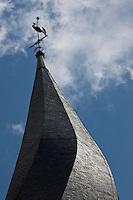 Europe/France/Midi-Pyrénées/32/Gers/Barran:  Le clocher tors  de l'Eglise St-Jean-Baptiste -13 ème siècle