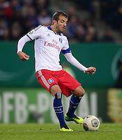 FUSSBALL   DFB POKAL   SAISON 2013/2014   2. HAUPTRUNDE Hamburger SV - SpVgg Greuther Fuerth                 24.09.2013 Rafael van der Vaart (Hamburger SV)   am Ball