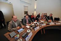 POLITIEK: JOURE: 06-01-2014, Gemeentehuis Heremastate, Eerste Raadsvergadering gemeente De Friese Meren, Leendert Maarleveld (gemeentesecretaris), Durk Durksz (wethouder), Johannes van der Pal (wethouder), Janny Schouwerwou (wethouder), Frans Veltman (wethouder), ©foto Martin de Jong