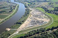 Kreetsand: EUROPA, DEUTSCHLAND, HAMBURG 28.08.2014:  Das IBA-Projekt Kreetsand, ein Pilotprojekt im Rahmen des Tideelbe-Konzeptes der Hamburg Port Authority (HPA), soll auf der Ostseite der Elbinsel Wilhelmsburg zusaetzlichen Flutraum für die Elbe schaffen. Das Tidevolumen wird durch diese strombauliche Massnahme vergroessert und der Tidehub reduziert. Gleichzeitig ergeben sich neue Moeglichkeiten für eine integrative Planung und Umsetzung verschiedenster Interessen und Belange aus Hochwasserschutz, Hafennutzung, Wasserwirtschaft, Naturschutz und Naherholung. Das Projekt Kreetsand wird vor diesem Hintergrund auch einen Teil des IBA-Projekts Deichpark-Elbinsel darstellen. Bei dem Projekt werden diese Aspekte für die gesamte Elbinsel analysiert und vorteilhafte Maßnahmen und Strategien fuer die Kombination der verschiedenen Anforderungen entwickelt.