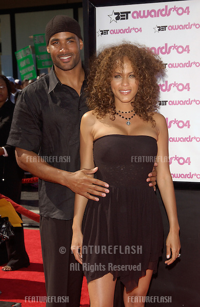 NICOLE ARI PARKER & fiancé BORIS KODJOE at the 2004 BET (Black Entertainment TV) Awards at the Kodak Theatre, Hollywood..June 29, 2004