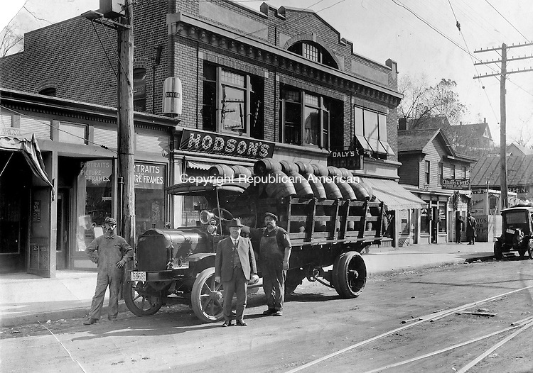 Delivering barreled goods to Hodson's Saloon in Naugatuck, 1920s