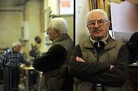 Vincenzo Di Pietro,tassista,taxi driver..Vecchi amici. Old friends..Nello storico quartiere di San Lorenzo a Roma, un gruppo di amici si riunisce per pranzo,nella falegnameria di Graziano Azzurri.L' occasione è il compleanno di Vincenzo, 76 anni ex tassista..In the historic district of  San Lorenzo in Rome, a group of friends meets for lunch, in carpentry of Graziano Azzurri. On the occasion of the birthday of  Vincenzo, 76 years ex taxi driver.....