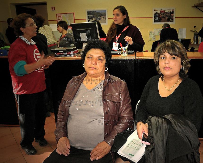 Palermo, headquarters of Emergency: women migrated from East Europe waiting for the doctors.<br /> Palermo, locali dell'ambulatorio di Emergency: donne  originarie dell'Europa dell'est in attesa di essere visitate dai dottori.