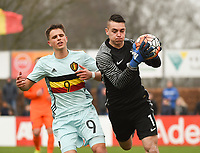 20170314 - UDEN , NETHERLANDS : Dutch Jasper Schendelaar (R) and Belgian Daan Vekemans (L) pictured during the UEFA Under 17 Elite round game between The Netherlands U17 and Belgium U17, on the first matchday in group 5 of the Uefa Under 17 elite round in The Netherlands , tuesday 14 th March 2017 . PHOTO SPORTPIX.BE | DIRK VUYLSTEKE