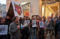 Roma 13 Ottobre 2011.Indignati presidiano e si accampano in via Nazionale nei pressi di palazzo Koch sede di Bankitalia.secondo giorno sulla scalinata del Palazzo delle Esposizioni . Il Drago in giro per la città