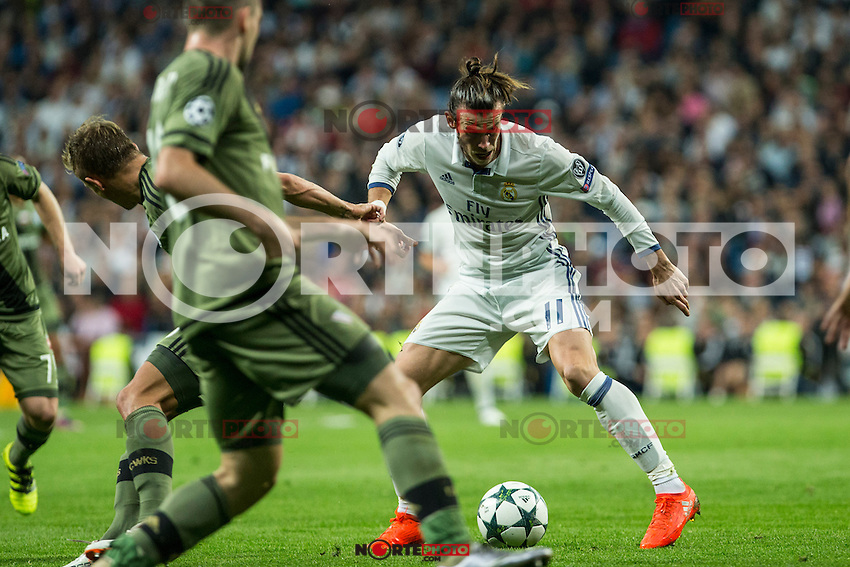 Real Madrid's Garet Bale during the match of UEFA Champions League group stage between Real Madrid and Legia de Varsovia at Santiago Bernabeu Stadium in Madrid, Spain. October 18, 2016. (ALTERPHOTOS/Rodrigo Jimenez) /NORTEPHOTO.COM